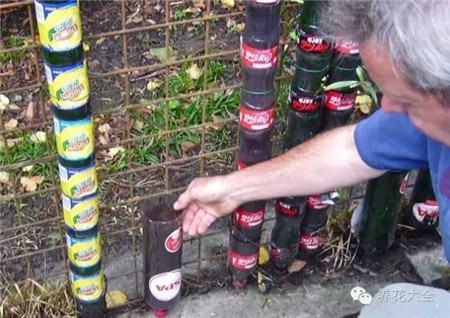 装满培养土的瓶子