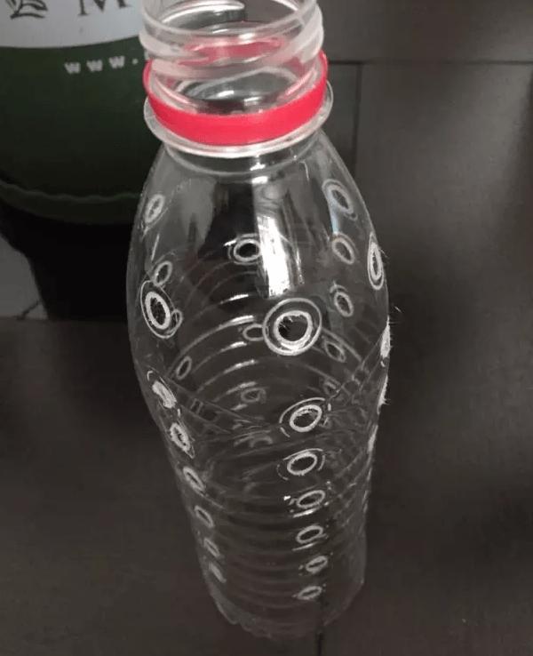 矿泉水瓶扎孔