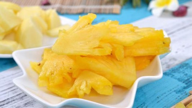 菠萝和西瓜能一起吃吗