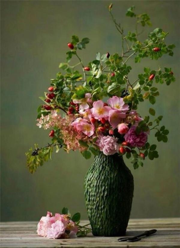 油畫中的插花
